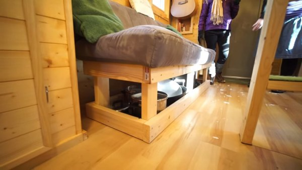 couples-off-grid-tiny-house-near-asheville-nc-009