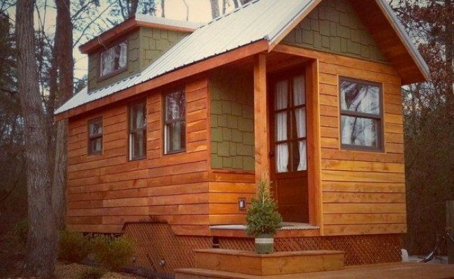 Tiny House Living Couple S 204 Sq Ft Dream Home