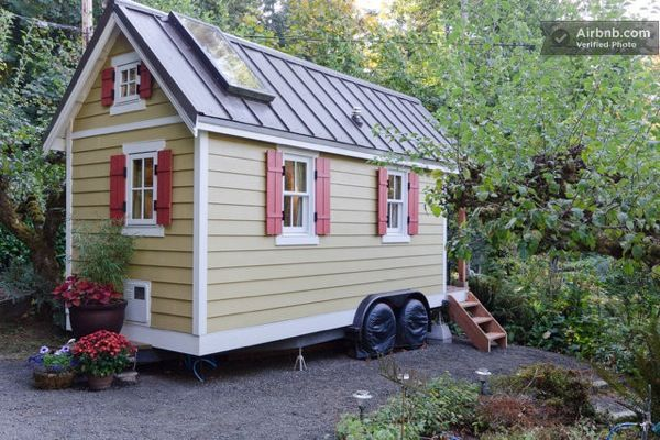 Cozy Tiny House for Rent (3)
