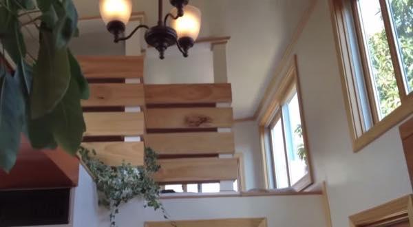 creative-tiny-house-on-wheels-with-two-sleeping-lofts-0011