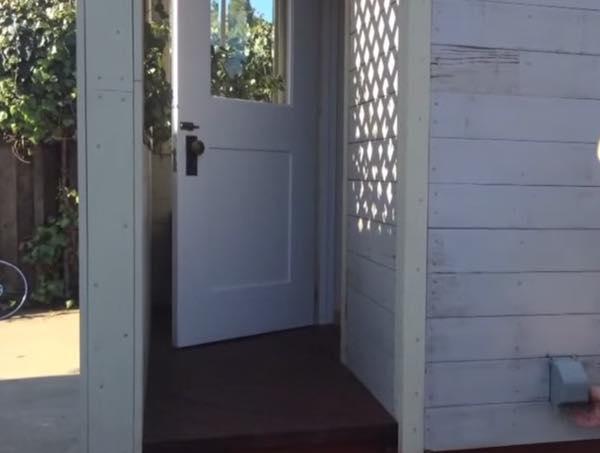 creative-tiny-house-on-wheels-with-two-sleeping-lofts-004