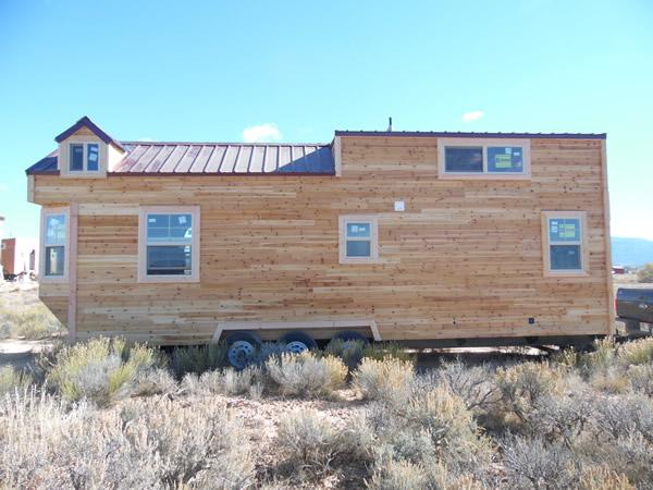 custom-28feet-tiny-house-on-wheels-017