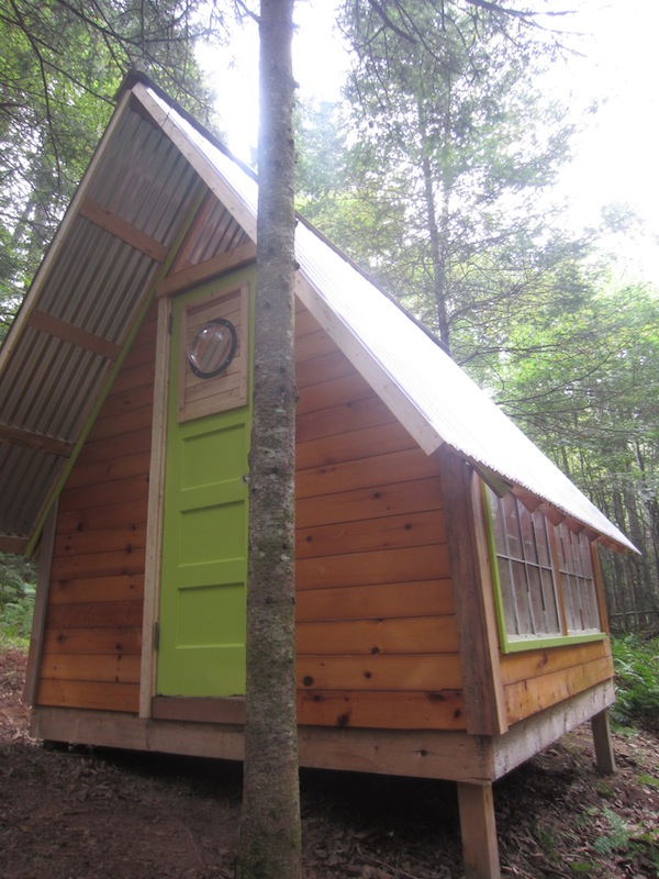 A diy micro cabin in the woods you can build for Diy a frame cabin