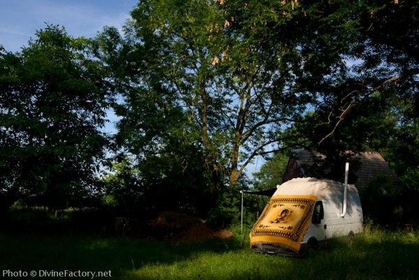 dipa-vasudeva-das-work-van-to-tiny-cabin-conversion-diy-motorhome-0021