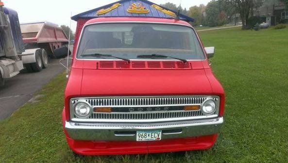 dodge-sportsman-tiny-housetruck-for-sale-02