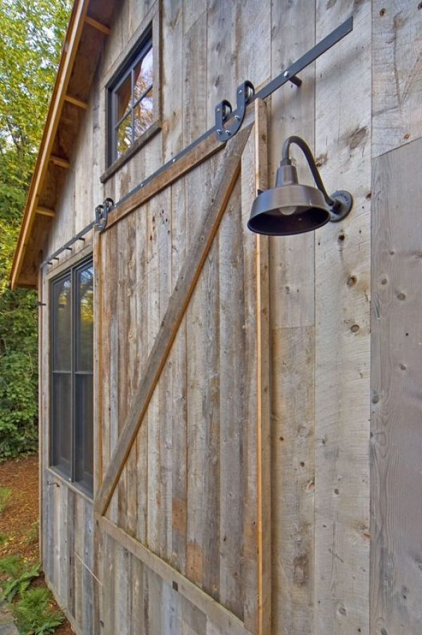 714 Sq Ft Cabin Built With Reclaimed Barn Wood