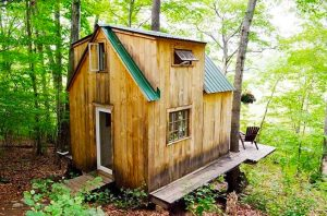 Man Builds Tiny Cabin for $4k in 6 Weeks