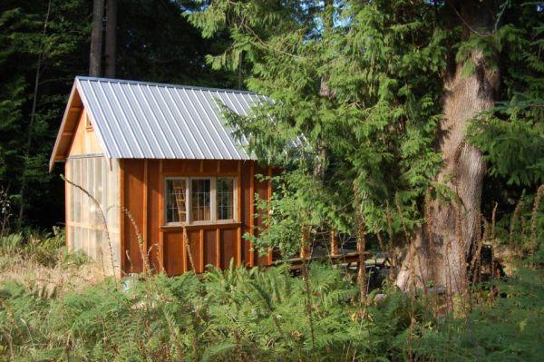 familys-7k-tiny-cabin-04