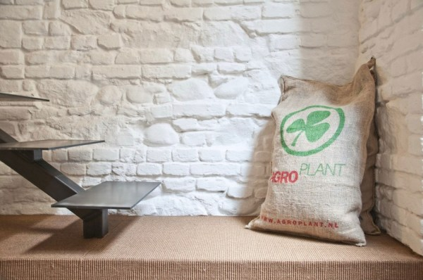from-shop-to-loft-tiny-loft-apartment-0010