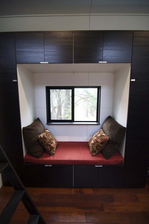 gabriella-and-andrew-modern-tiny-house-build-0010