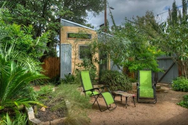hip-tiny-house-vacation-in-austin-texas-0001