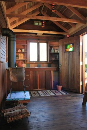 humble-hands-craft-tiny-house-by-ryan-o-donnell-003