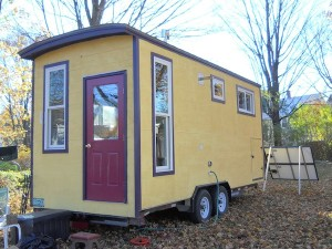 jane dwinells 668 sf little house 008 300x225 Couple Upsizes from Tiny House to Little House