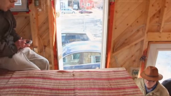 jessies-tiny-house-on-wheels-nova-scotia-004