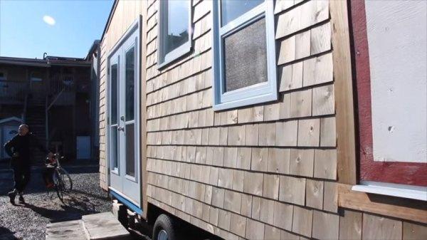 jessies-tiny-house-on-wheels-nova-scotia-011