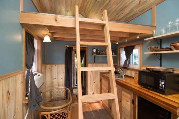 kangablue-170-sq-ft-tiny-house-on-wheels-at-caravan-hotel-004