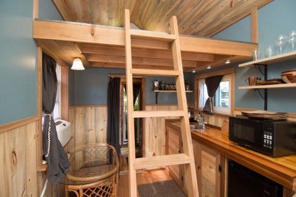 kangablue-170-sq-ft-tiny-house-on-wheels-at-caravan-hotel-004