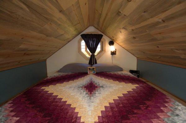 kangablue-170-sq-ft-tiny-house-on-wheels-at-caravan-hotel-008