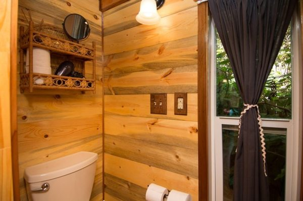 kangablue-170-sq-ft-tiny-house-on-wheels-at-caravan-hotel-009