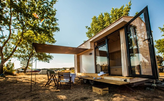 Family Designs Builds Amazing Tiny Vacation House