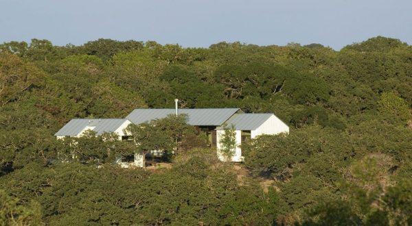 lake-flato-porch-house-012