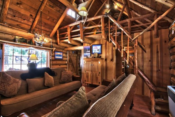 lake-tahoe-log-cabin-smallhousebliss-005