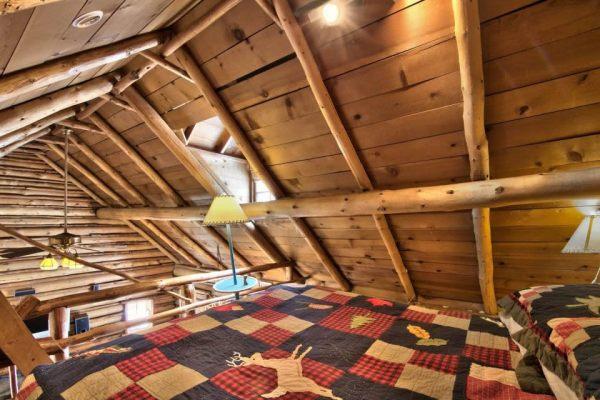 lake-tahoe-log-cabin-smallhousebliss-008