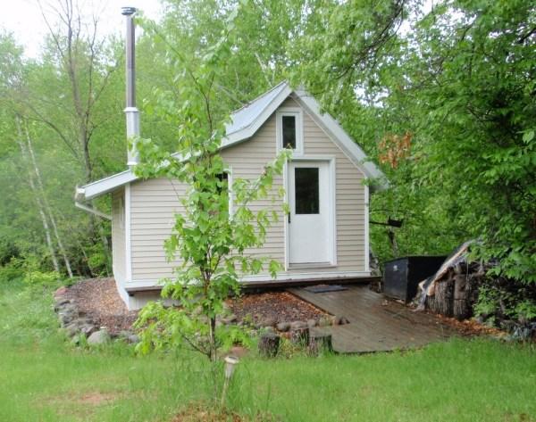 Tiny Cottage under a Treehouse