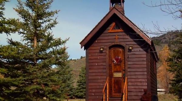 little-church-of-miracles-001