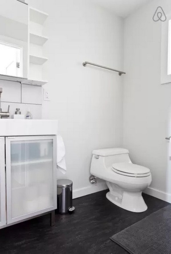 bathroom in tiny home