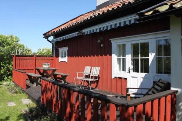 little-village-cottage-sweden-027