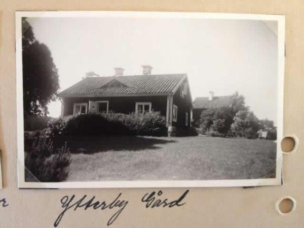 little-village-cottage-sweden-035