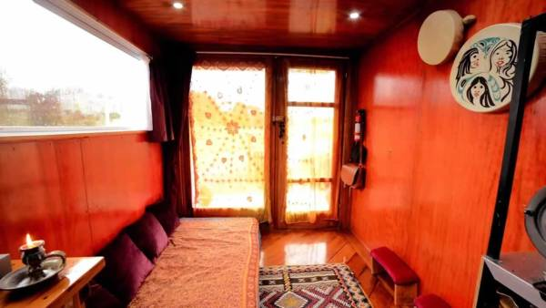 living-simply-in-tiny-housetruck-conversion-005