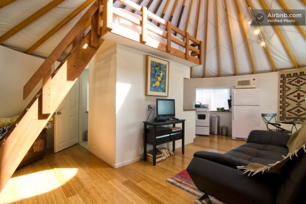 loft-in-malibu-yurt
