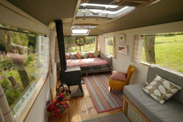 majestic-bus-tiny-house-conversion-003