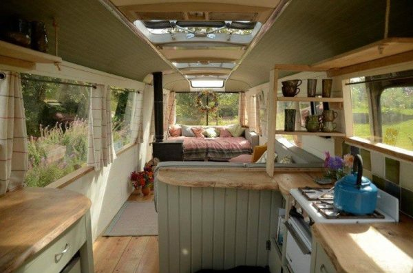 majestic-bus-tiny-house-conversion-005