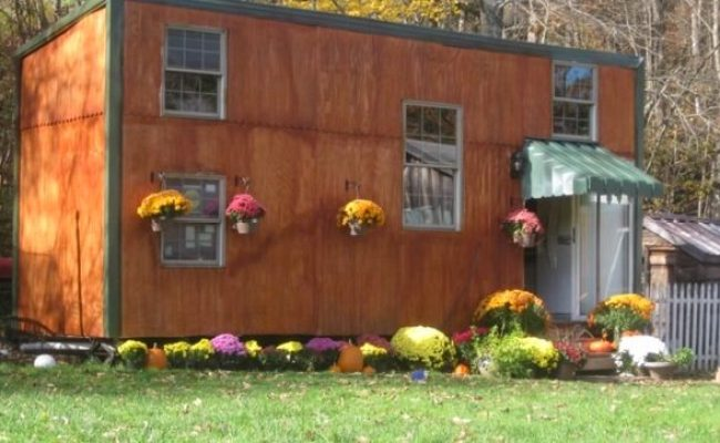 Man Builds Tiny House For Less Than 5k For His Family