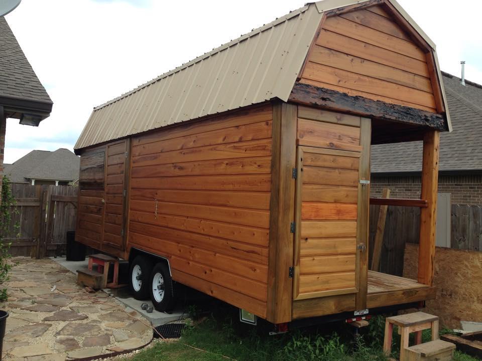 Man Cave On Wheels : Man builds portable tavern tiny house on a trailer