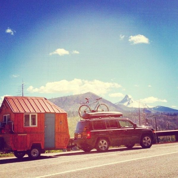 man-converts-pop-up-camper-into-diy-micro-cabin-on-wheels-00015