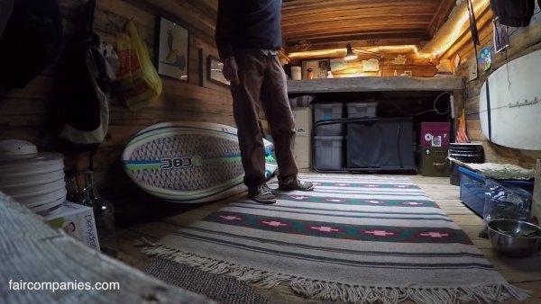 man-living-in-underground-home-5k-010
