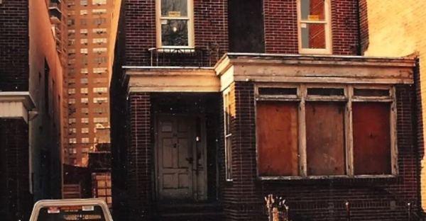 man-renovates-abandoned-brooklyn-home-002