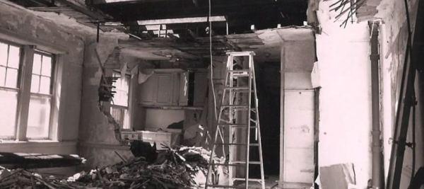 man-renovates-abandoned-brooklyn-home-003