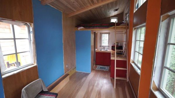 marks-modern-tiny-house-on-wheels-alaska-005