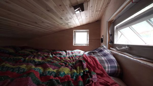 marks-modern-tiny-house-on-wheels-alaska-007