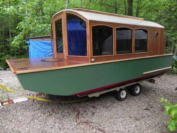 relatively easy to tow for a houseboat - Tiny Houseboat Plans