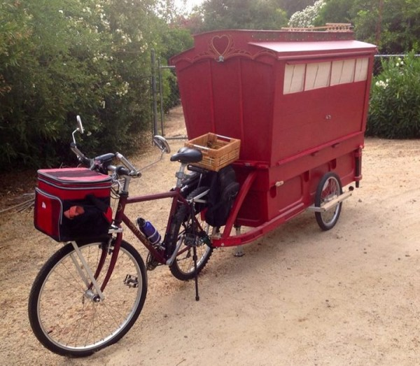 micro gypsy wagon for bicycles 01 600x523 Micro Gypsy Wagon That You Can Tow by Bicycle