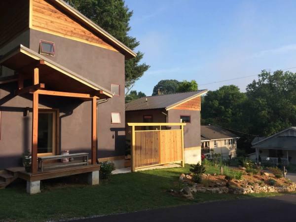 modern-zen-cabin-west-asheville-001