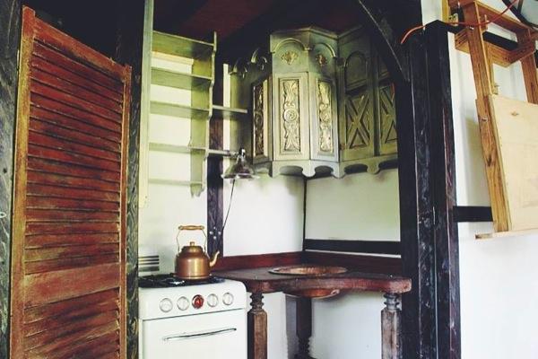 movie-set-tiny-house-011