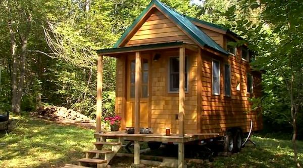 newlywed-tiny-house