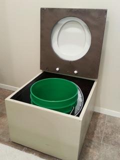 nicoles-diy-humanure-composting-toilet-project-04